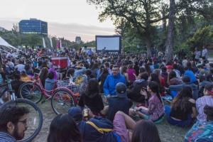 Miércoles 7: Función al aire libre. Parque de las Esculturas. Janis + Violeta. ®Rita Delaire